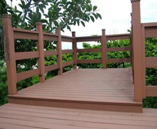 优质的湖北塑木地板供货商就选绿华塑木