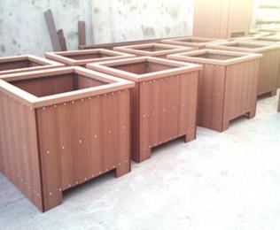 乌鲁木齐塑木花箱项目工程案例-绿华塑木