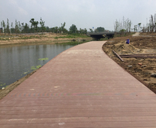 采购湿地公园塑木地板首选绿华塑木