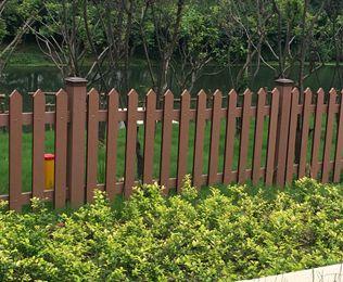 河边塑木护栏
