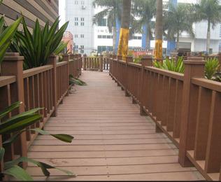 选购道路塑木栏杆 还是绿华塑木最实惠