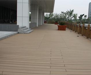 大连塑木地板价格美丽,立即咨询价格和方案-[绿华塑木]