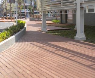 景观塑木地板选择绿华塑木准没错