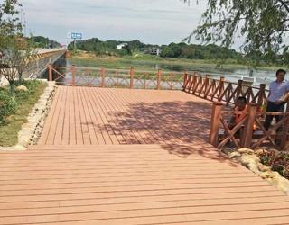景观平台塑木地板选择哪家?就选绿华塑木